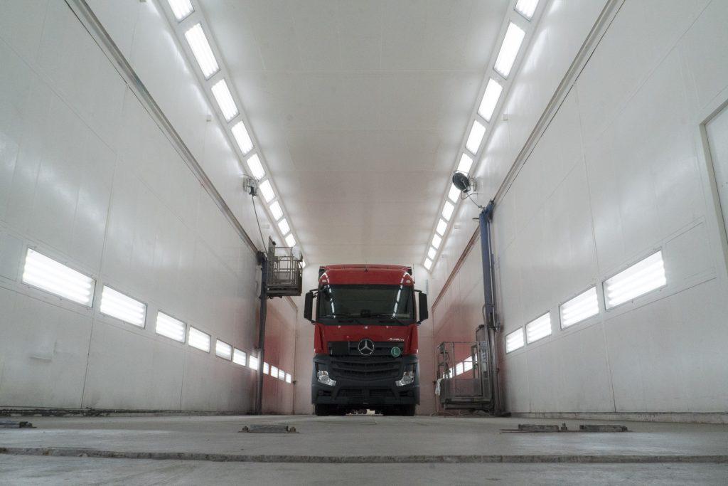 Spuitcabine Werkplaats Karhof Compaan bestebak.nl SmiLED Lighting
